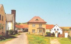 Blahousty a okolí vesnice